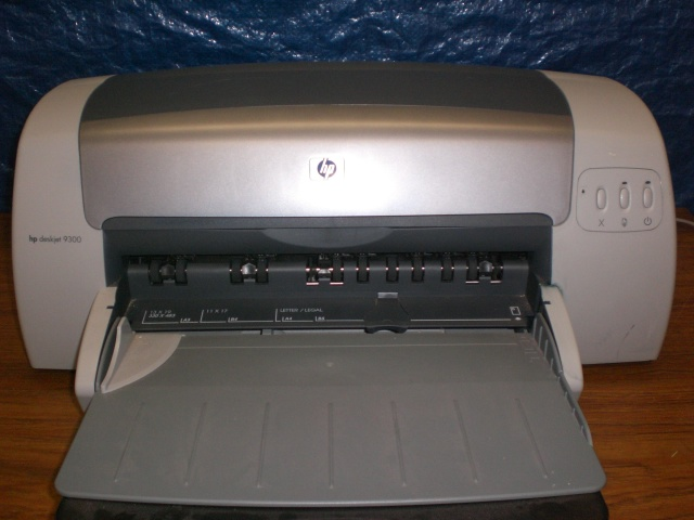 HP Color Deskjet 9300 Wide Format 11x17 Printer
