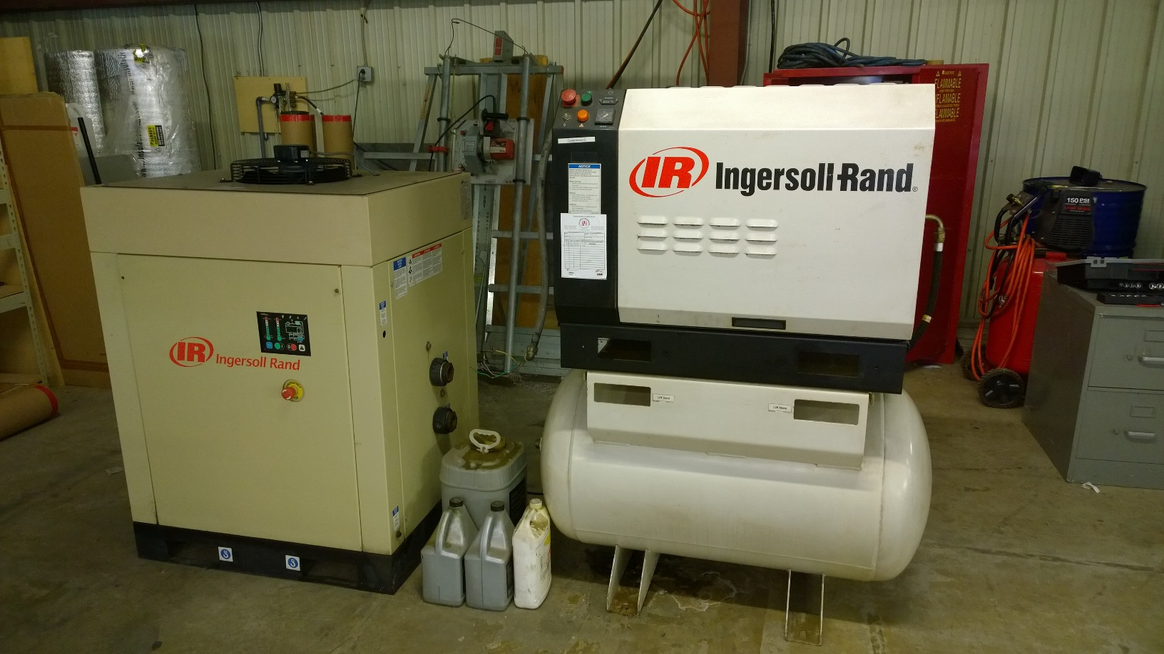 INGERSOLL RAND INDUSTRIAL SCREW COMPRESSOR Sold for $3,795