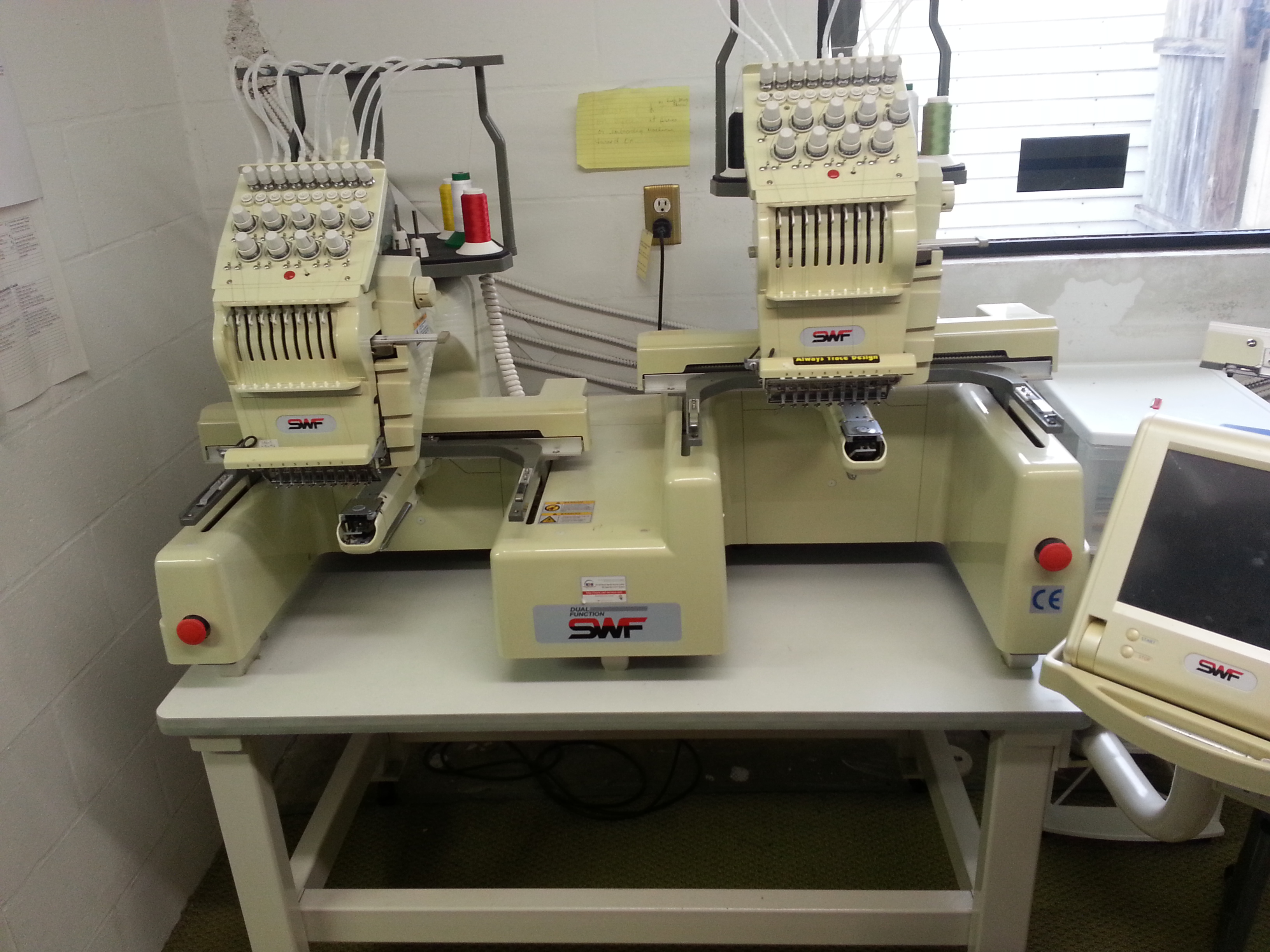 Swf B T902d Dual Function 2 Head Embroidery Machine
