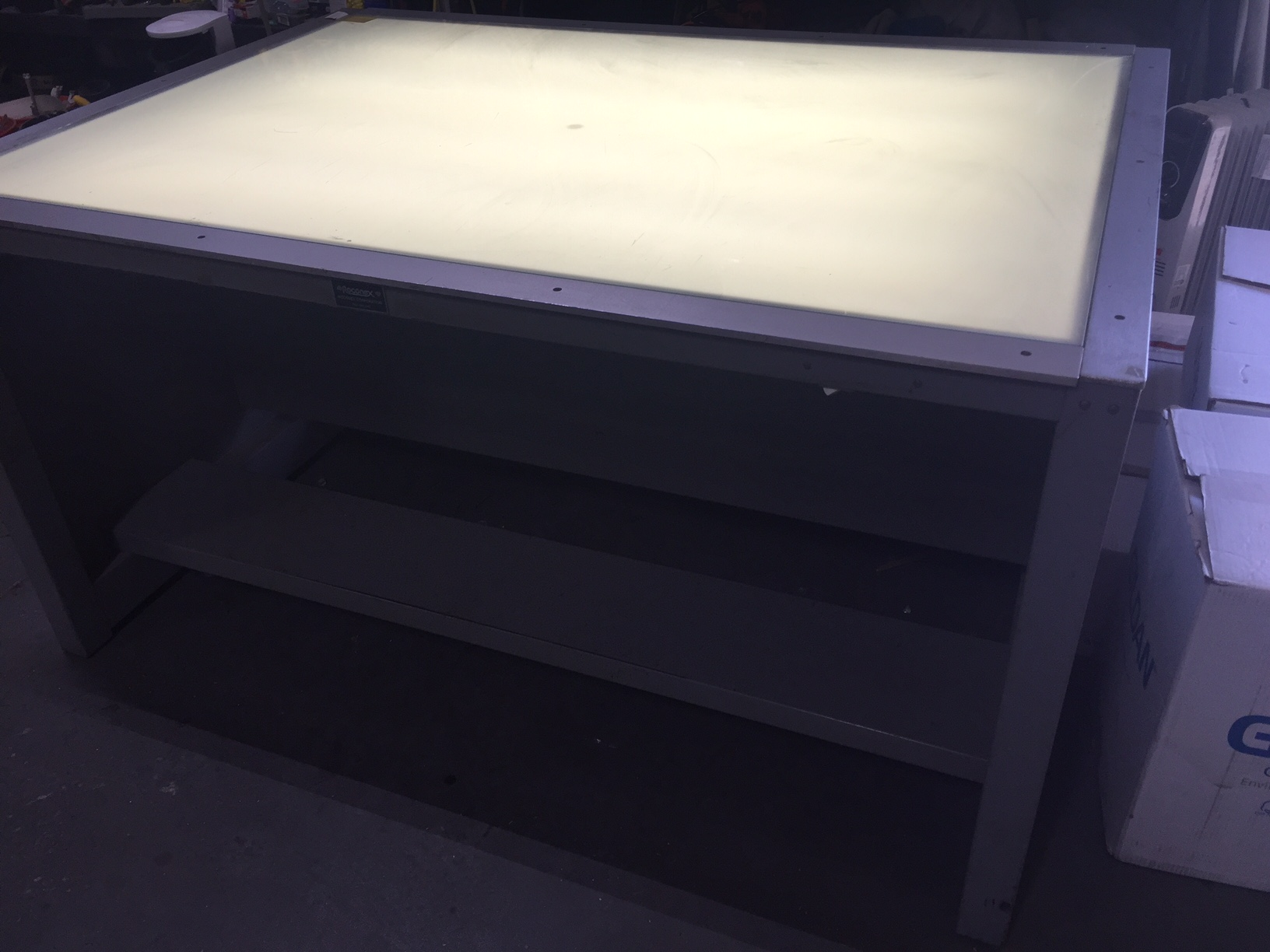 68x49 Glass Light Table