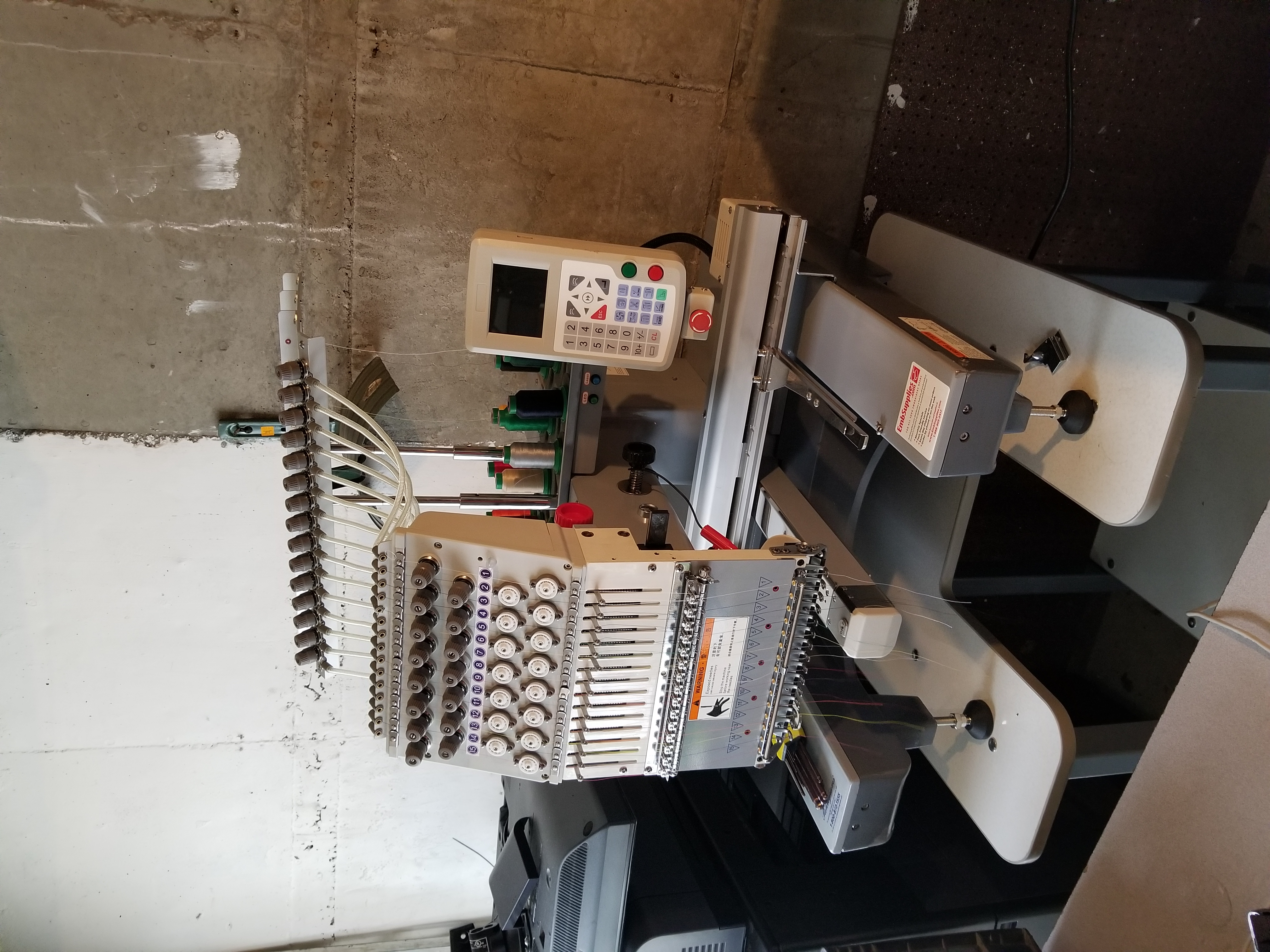 Used Gs1501 Pantograms 15 Needle Commercial Embroidery Machine