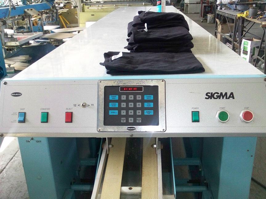 T Shirt Folding Machines
